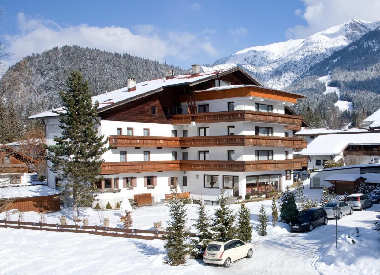 Отель  Hotel Schönegg