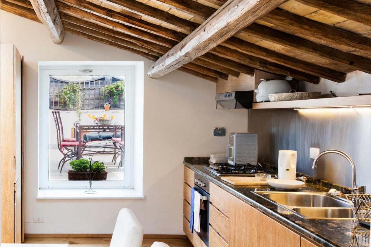 Apartment Habitat S Navona Pantheon Attic Rome Italy