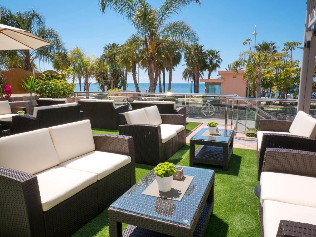 terraza at Helios Hotel Almunecar. Read more on https://almunecarinfo.com/terrace-restaurants-sky-bar-rooftop-almunecar/