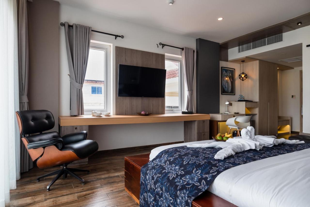 Отель  Nou's River Hotel