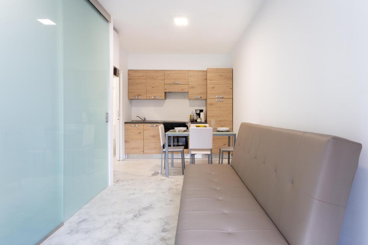 Апартаменты  Exclusive Beach Front Apartment In Playa De Las Americas