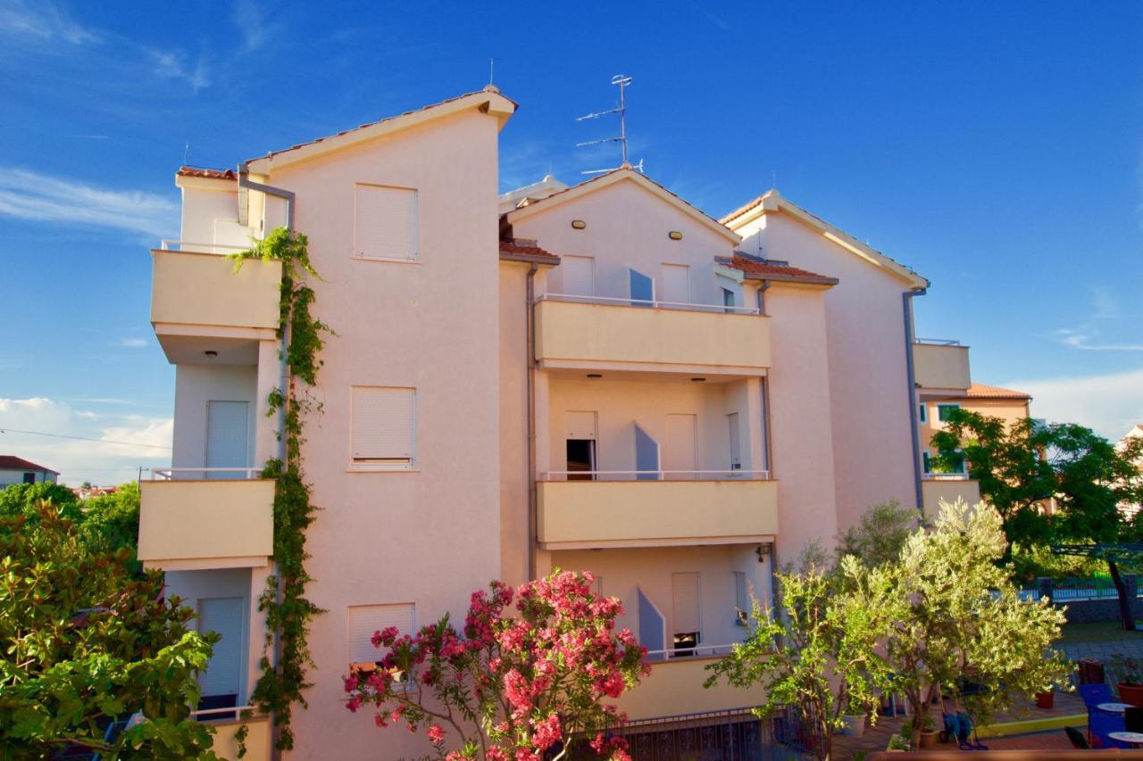Apartmani Hrga Vodice Croatia Booking Com