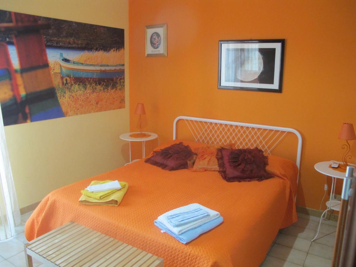 Casa & Co Milazzo bed and breakfast la casa del nonno, milazzo, italy