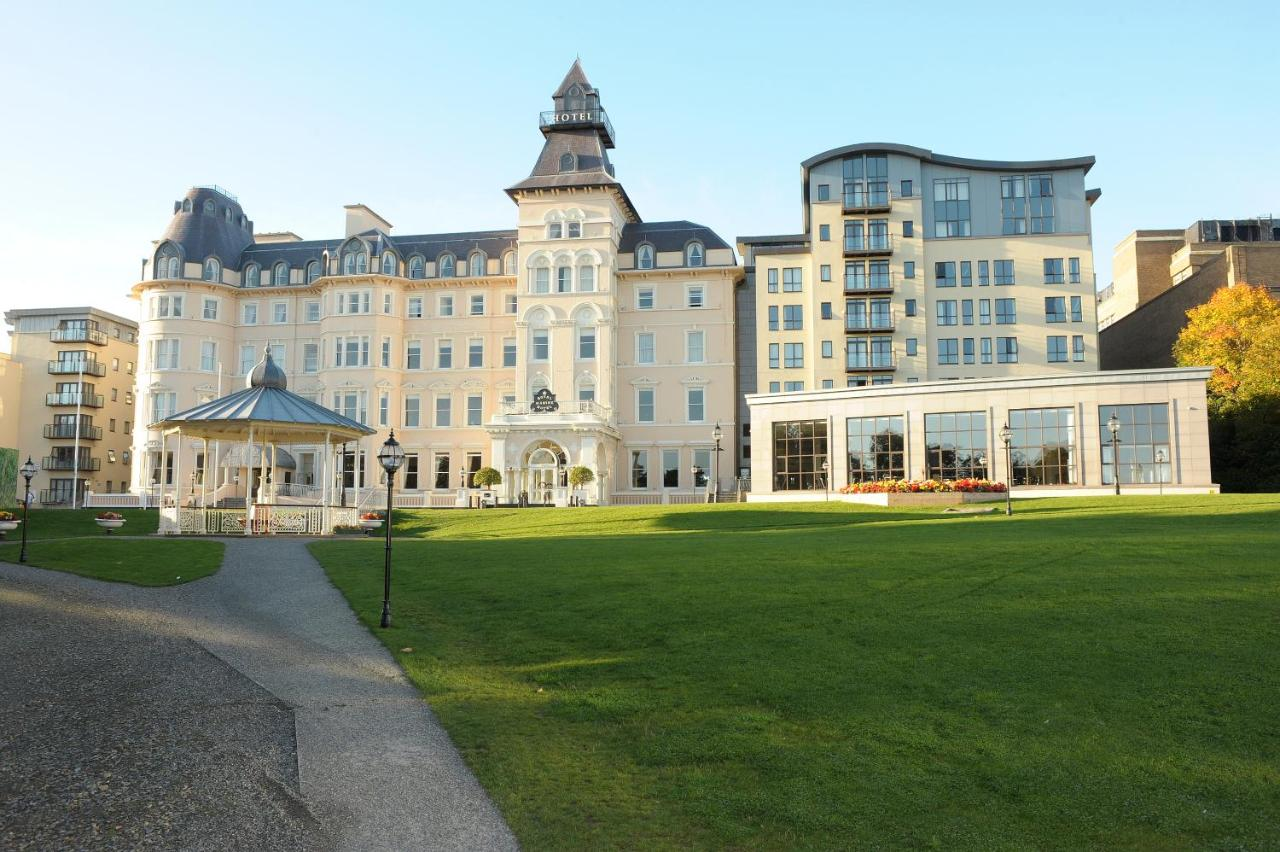 Write a review of Luxurious Dun Laoghaire Apartment in Dun