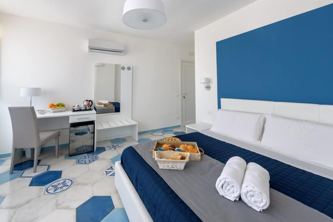 Фото  Отель типа «постель и завтрак»  Caruso Suite