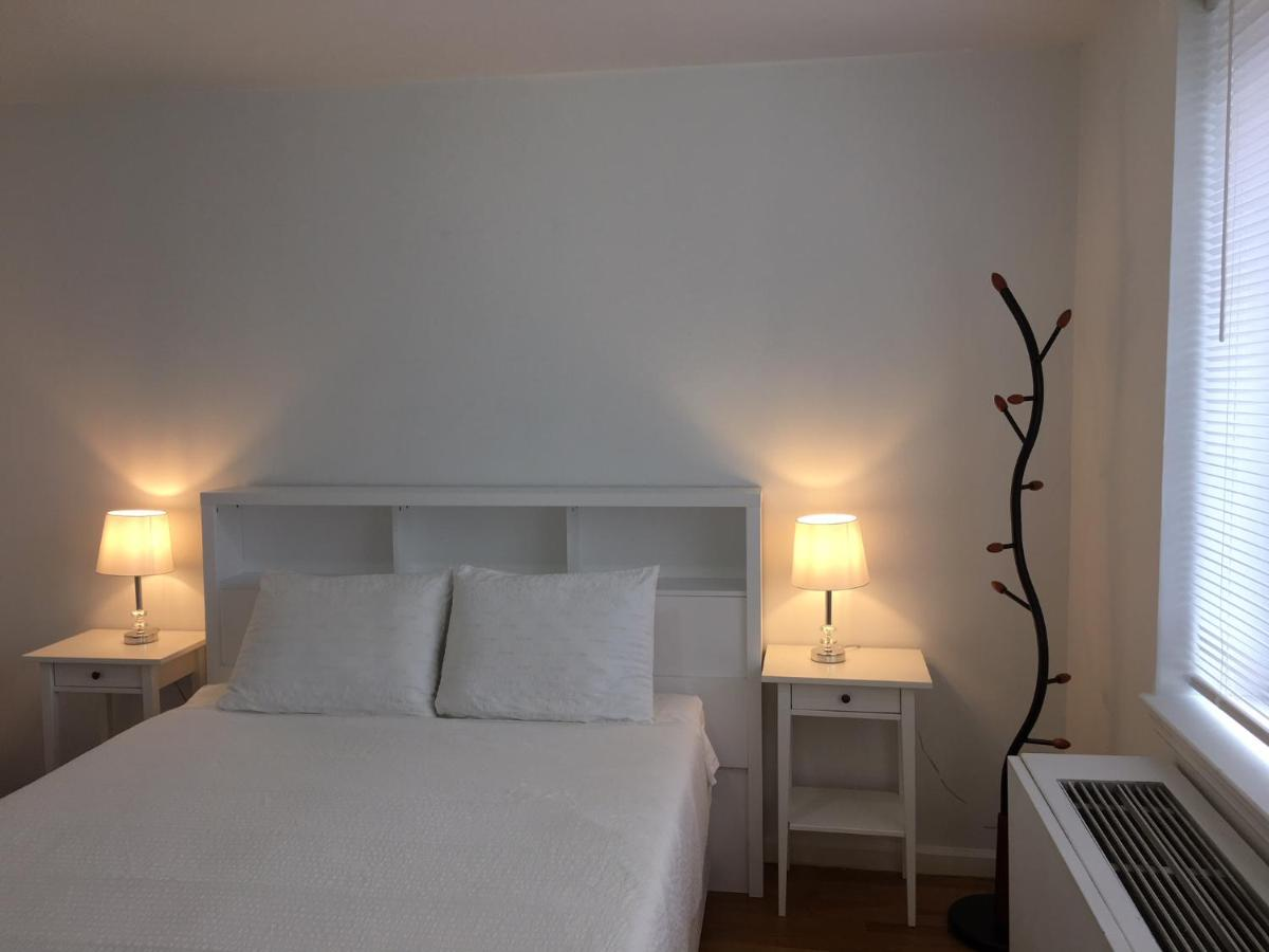 Mobile Bagno New York apartment sweet home- midtown, new york, usa - booking