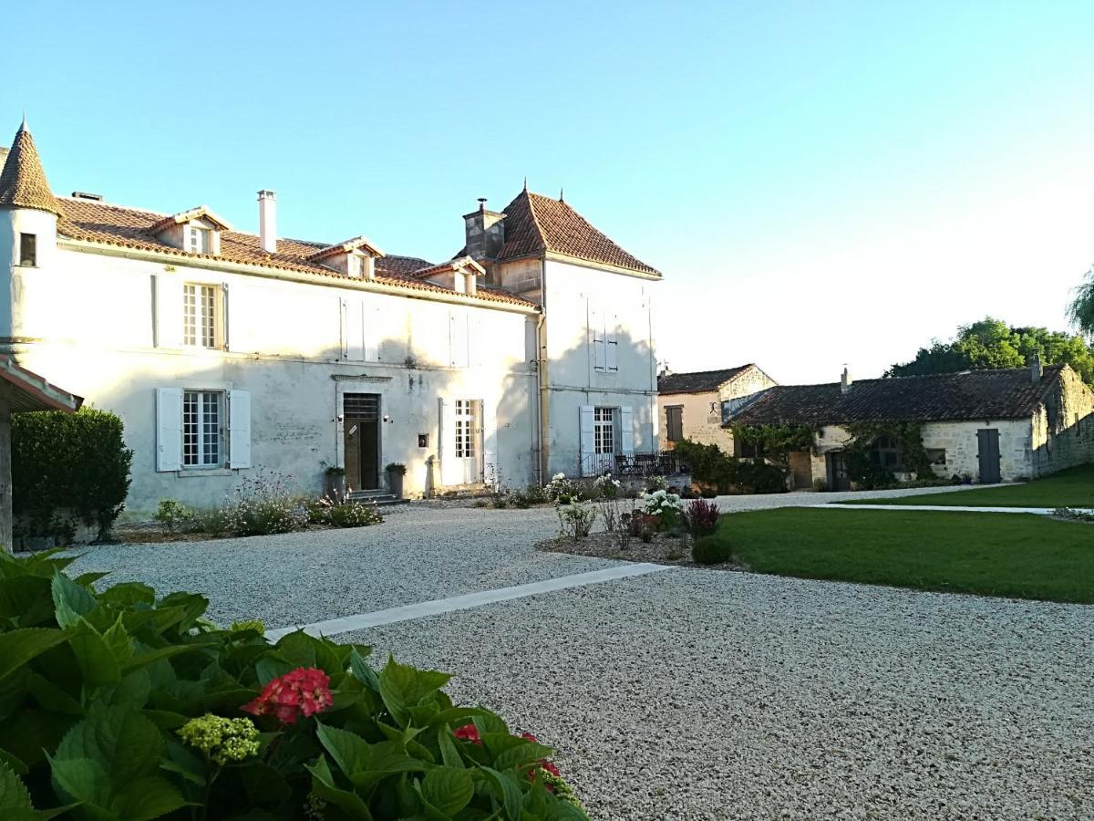 Guest Houses In Vouthon Poitou-charentes