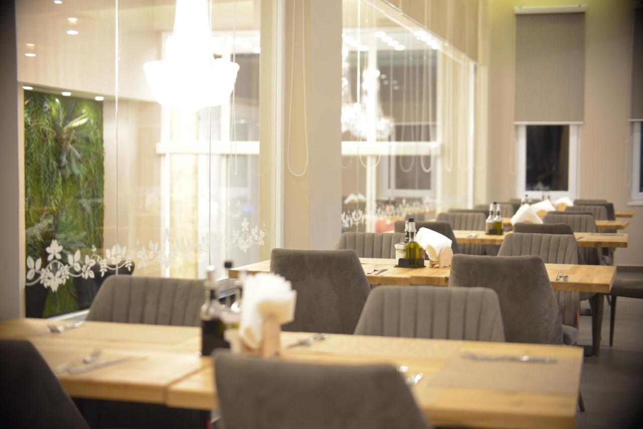 Ресторан / й інші заклади харчування у Hotel Klajdi