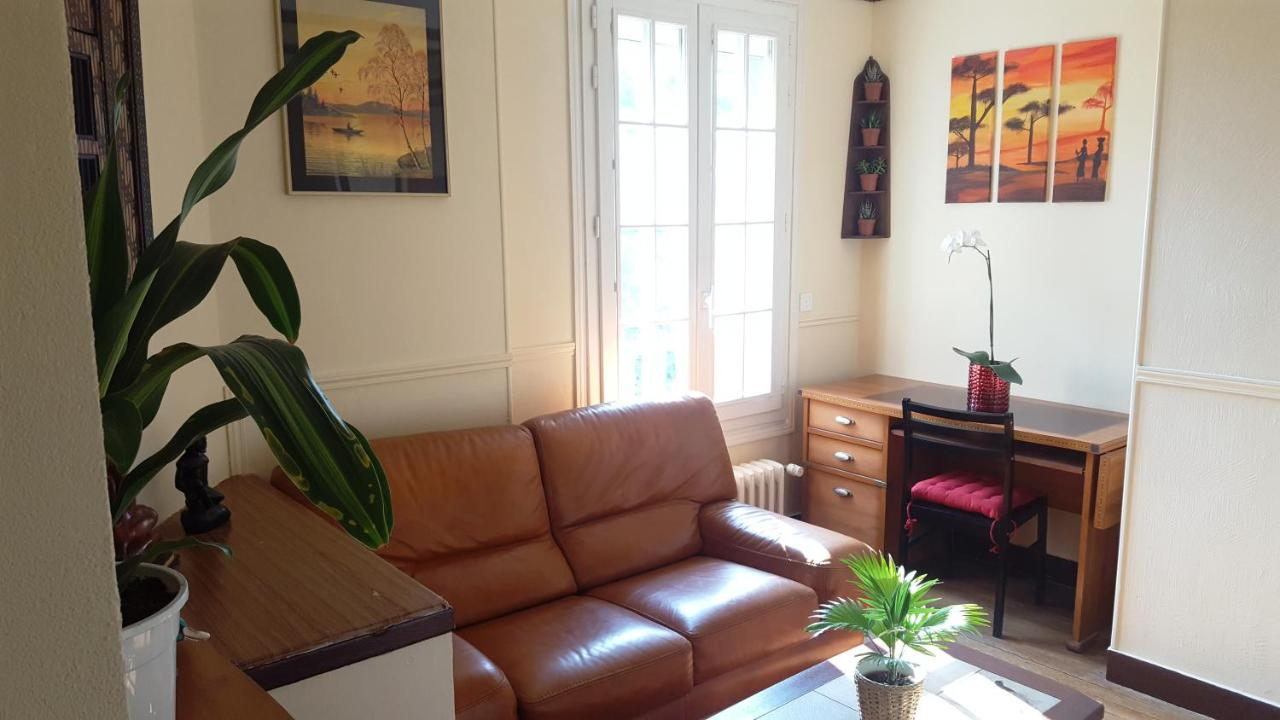 Apakabar Homestay (Frankreich La Rochette) - Booking.com