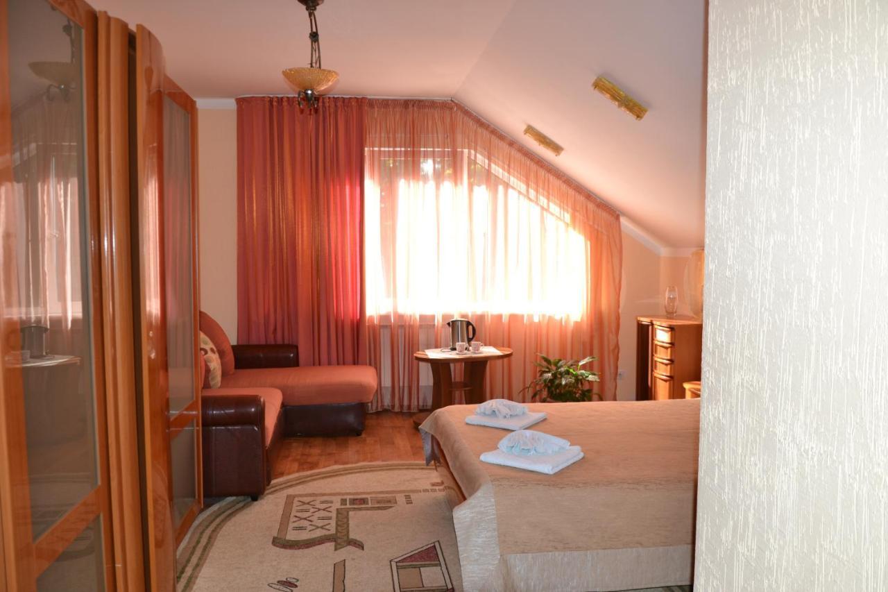 Фото  Мини-гостиница  Mini-Hotel Chaika