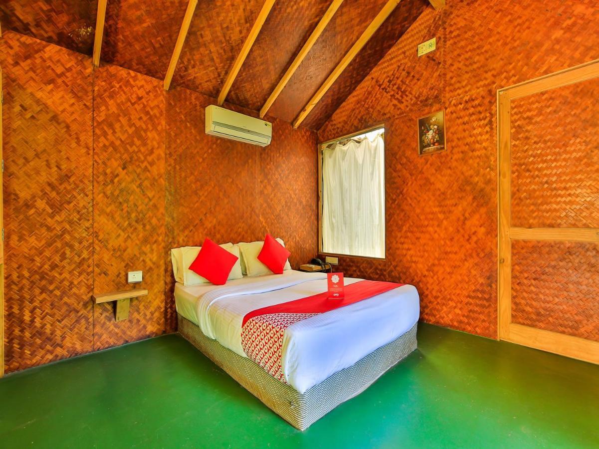 Отель  OYO 14372 Varty's Hillside Huts