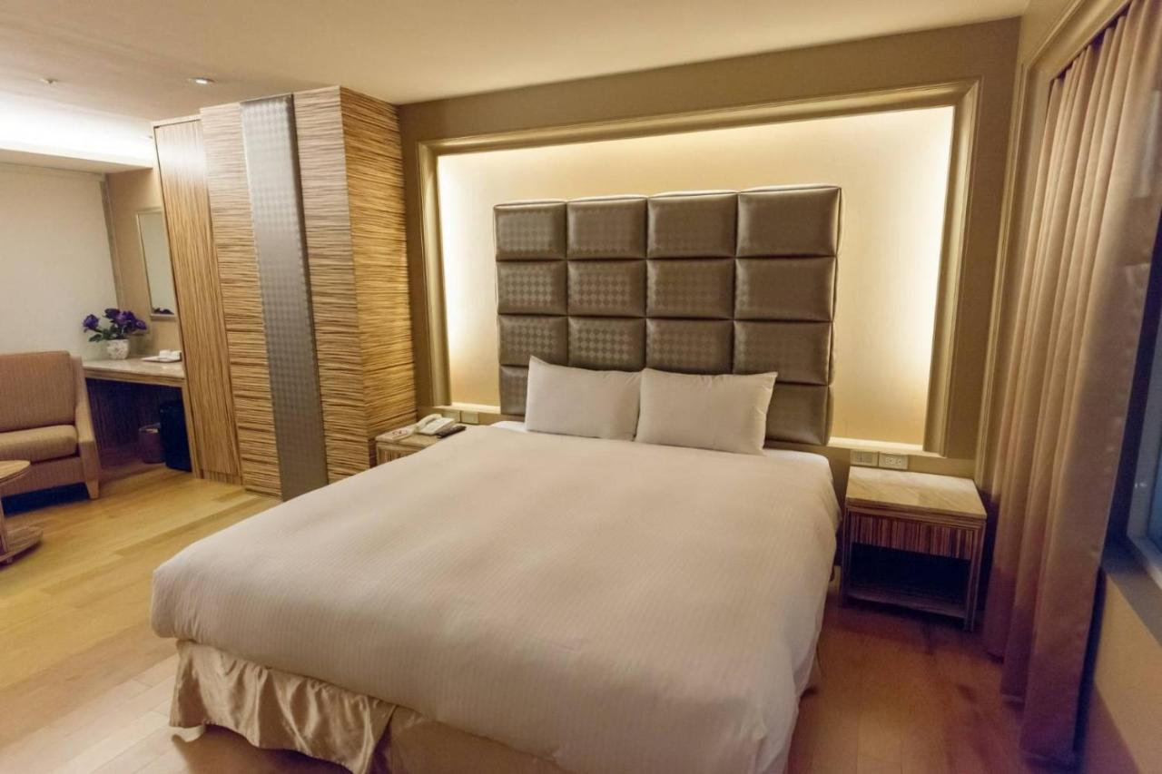 Отель  JINGSHANG Hotel