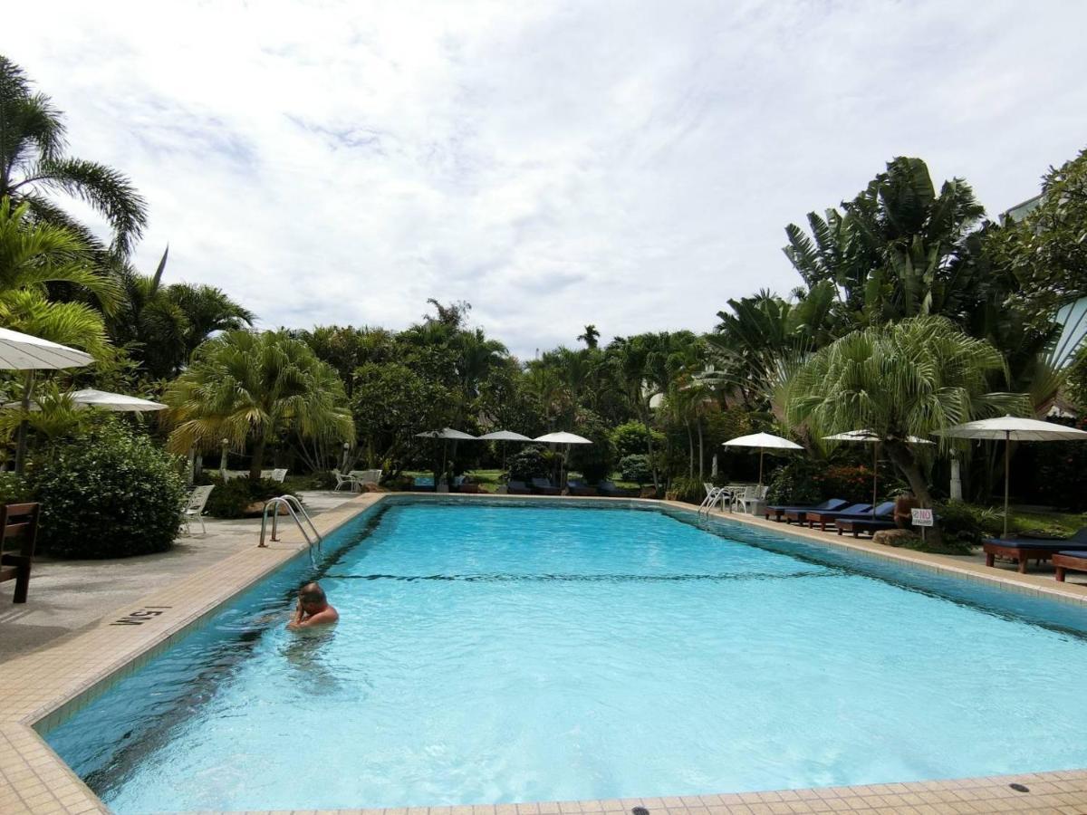 Отель  The Cottage Resort