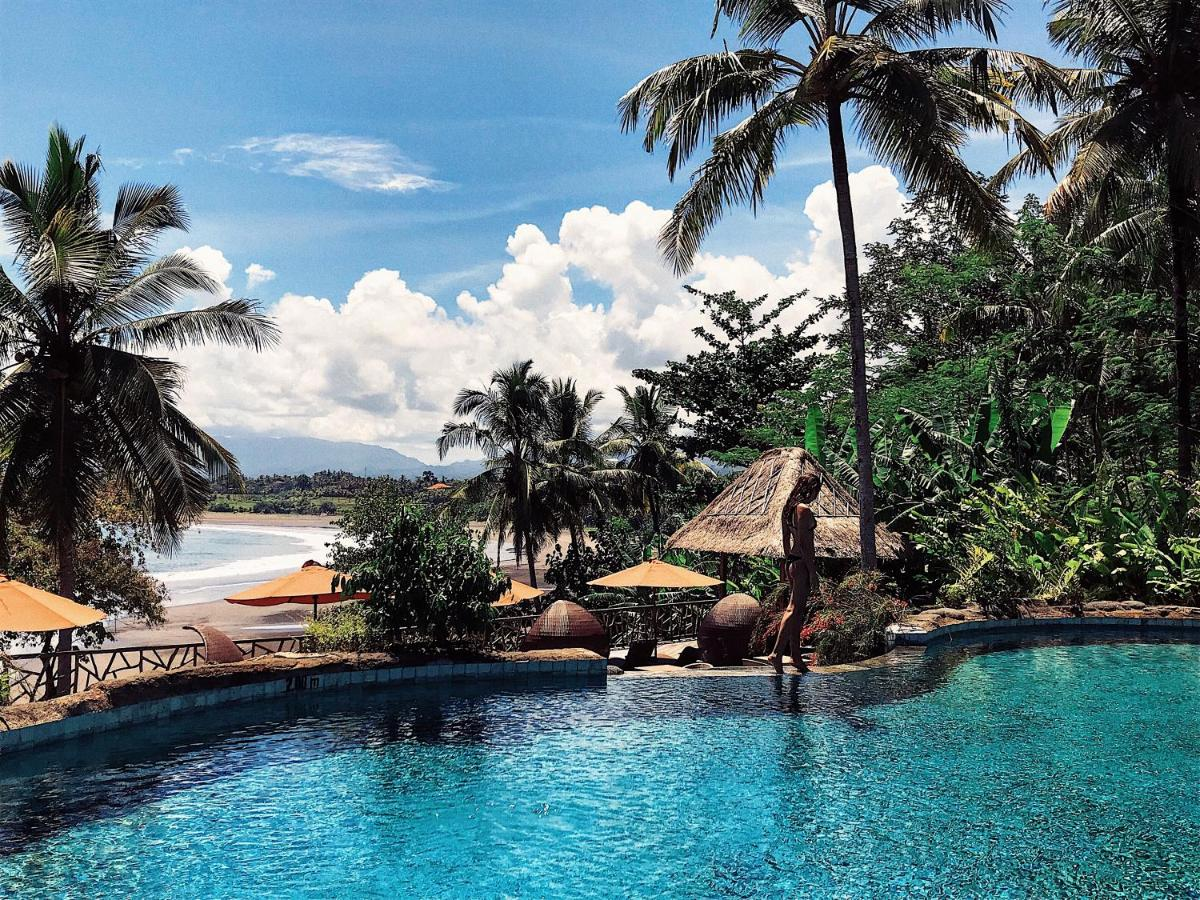 The swimming pool at or close to Puri Dajuma Beach Eco-Resort & Spa