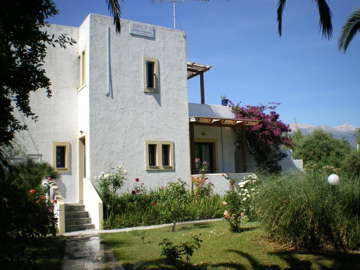 Загородный дом  Irini Studios