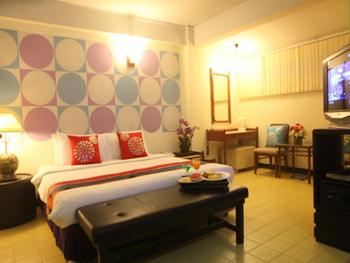 Отель  Отель  Sawasdee Sukhumvit Inn