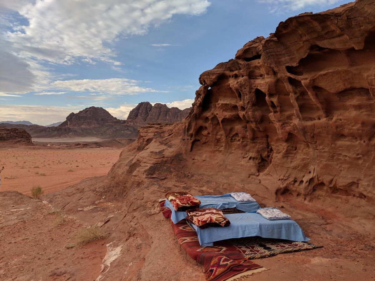 Люкс-шатер  The Bedouin Meditation Camp