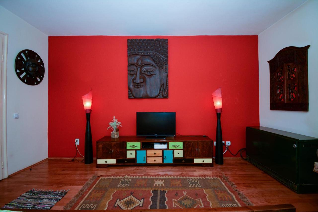 Апартаменты  Apartment Mask