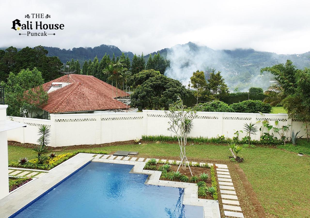 Фото  Виллы  The Bali House Puncak
