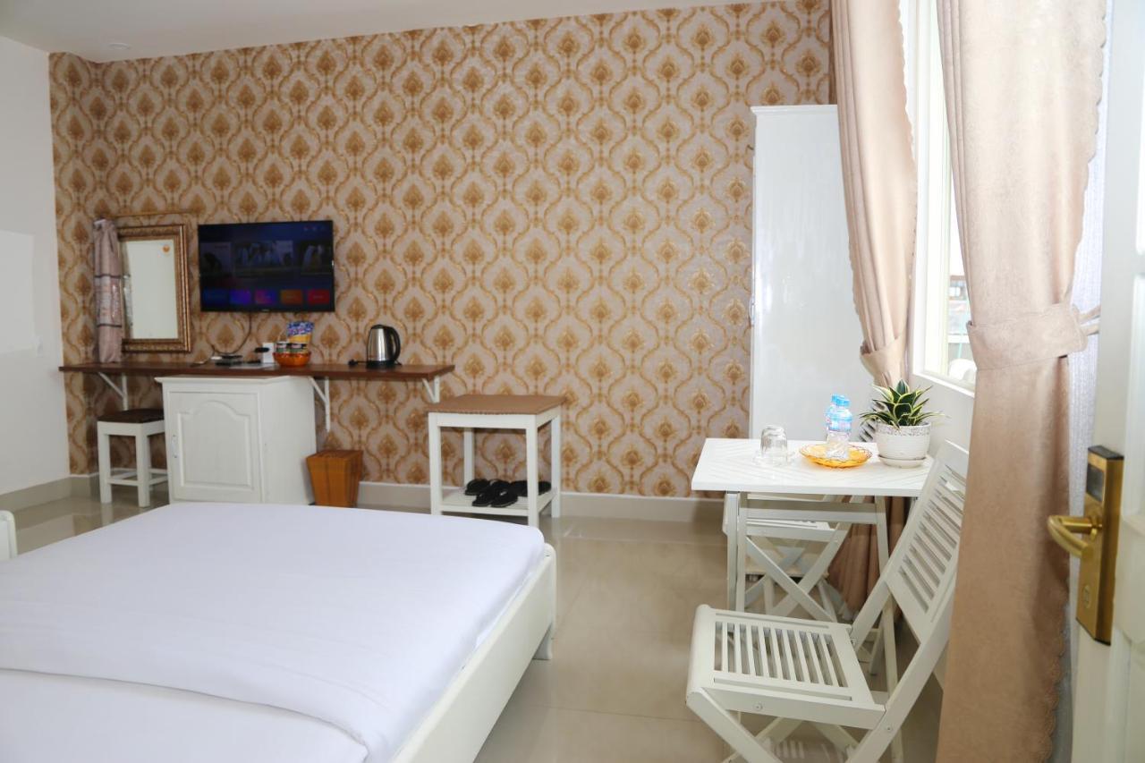 هتل Hotel Royal