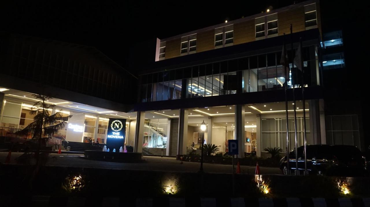 Отель  Novena Hotel Watampone