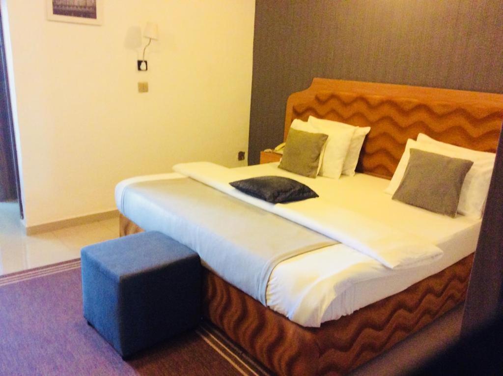 هتل Ne-yo Hotel