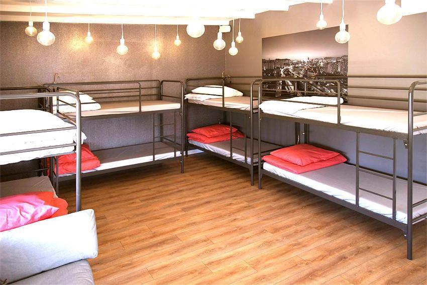 Hostels In Aalsmeerderbrug Noord-holland