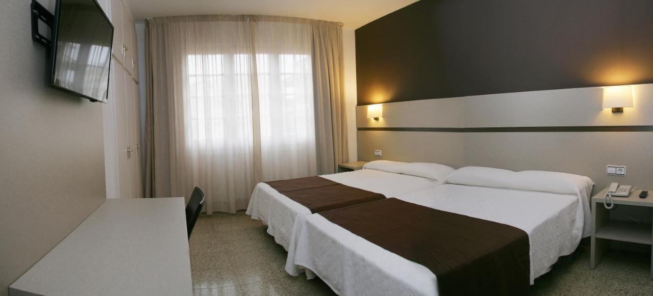 Hotel La Carolina (España Lloret de Mar) - Booking.com