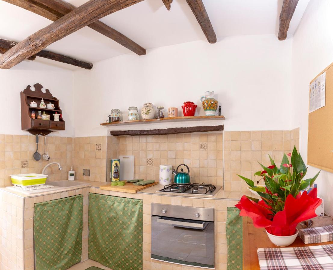 Amenagement Petite Cuisine Restaurant apartment domus napoleone bonaparte, sanremo, italy