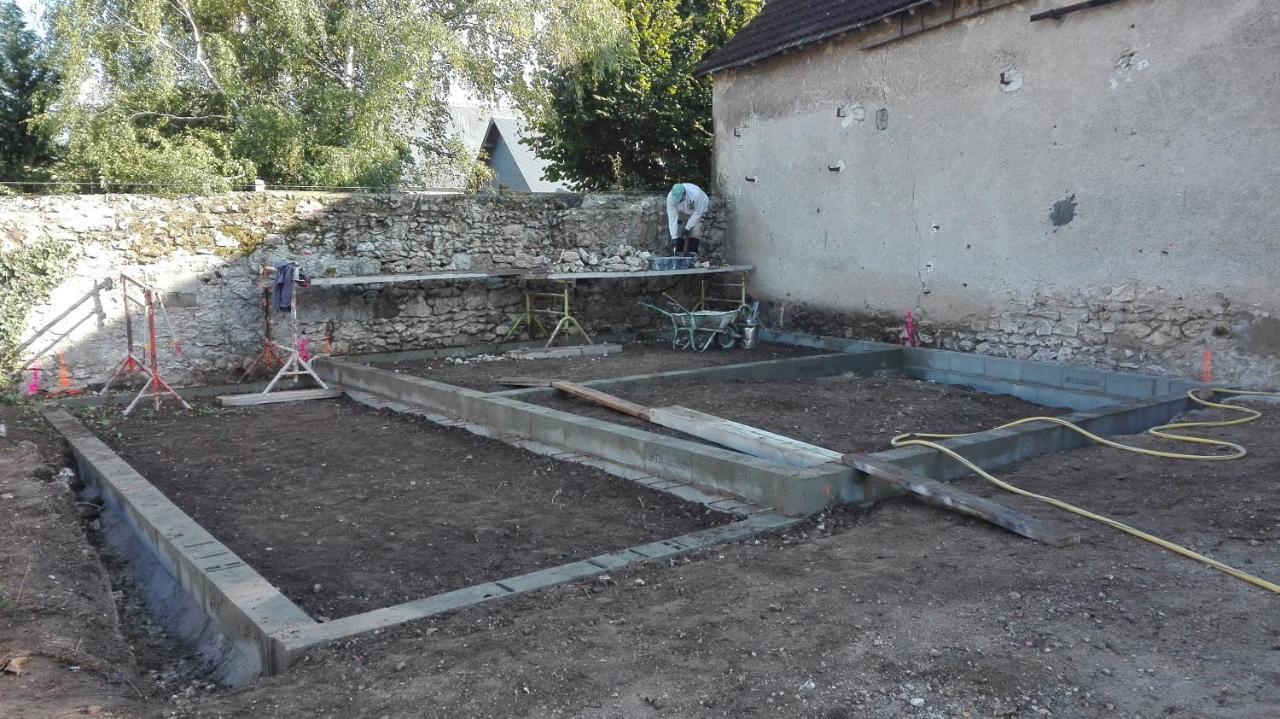 Construction De La Piscine De Vendome gite du clos notre dame, vineuil, france - booking