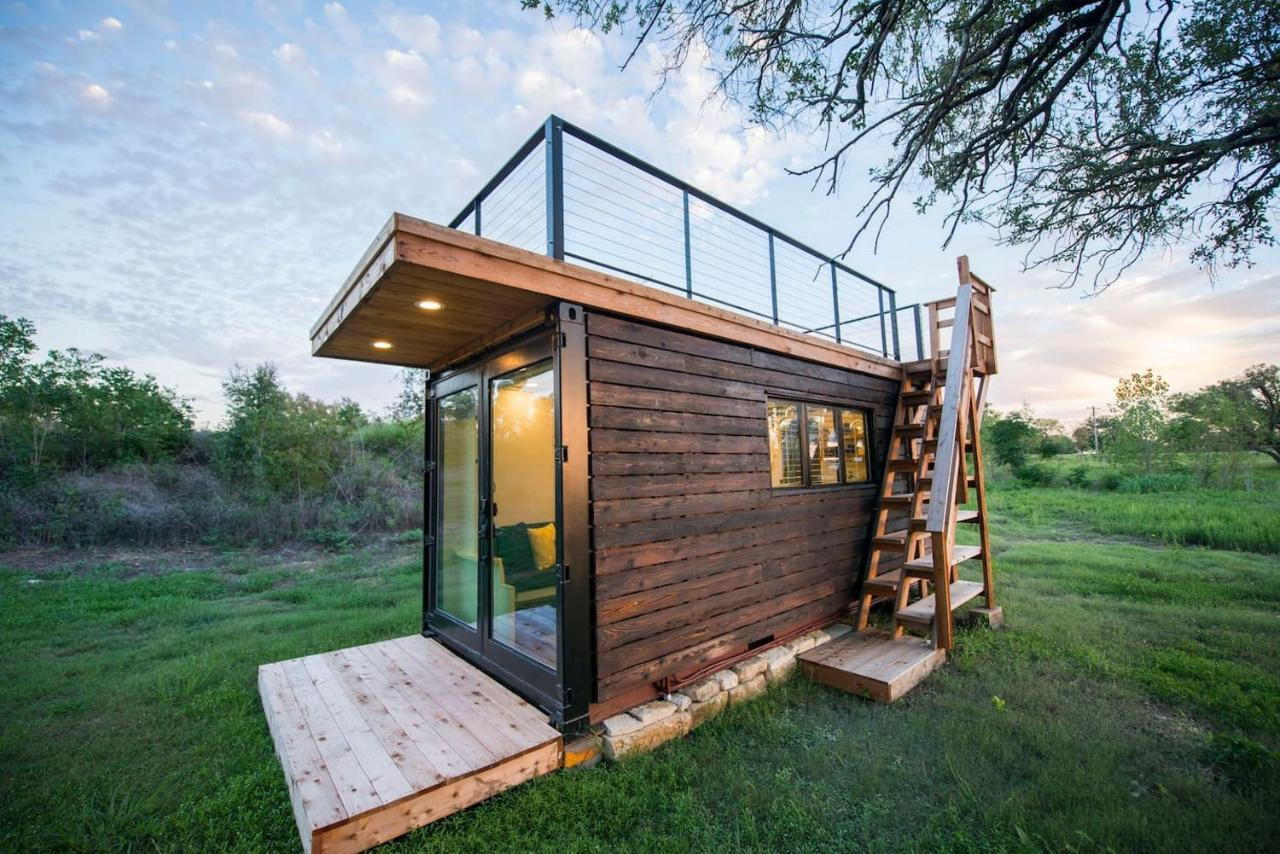 Ferienwohnung Elegant Container Tiny House Yellow & Blue (USA Waco