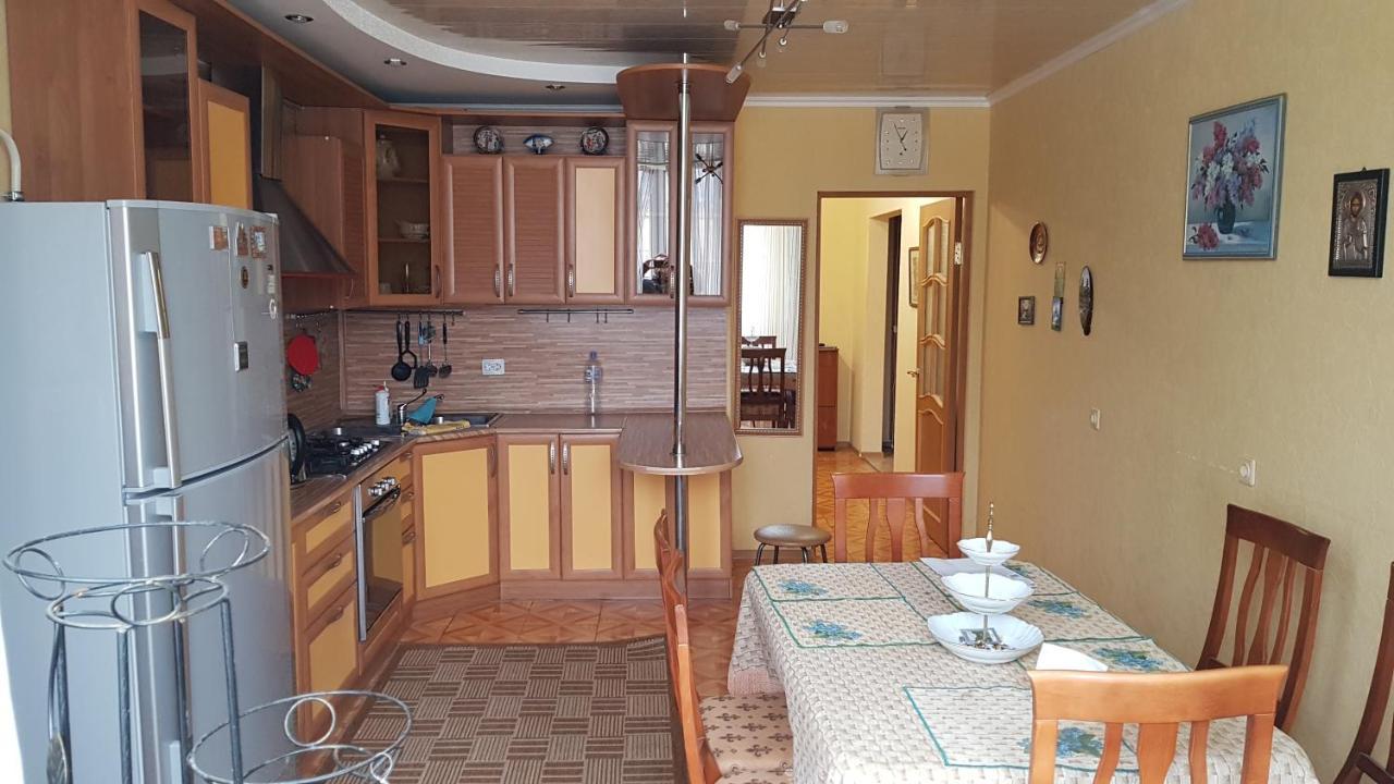Апартаменты  3х комнатная квартира Апартаменты