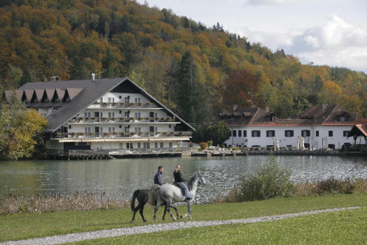 Отель Hotel Alma & Castle Hrib