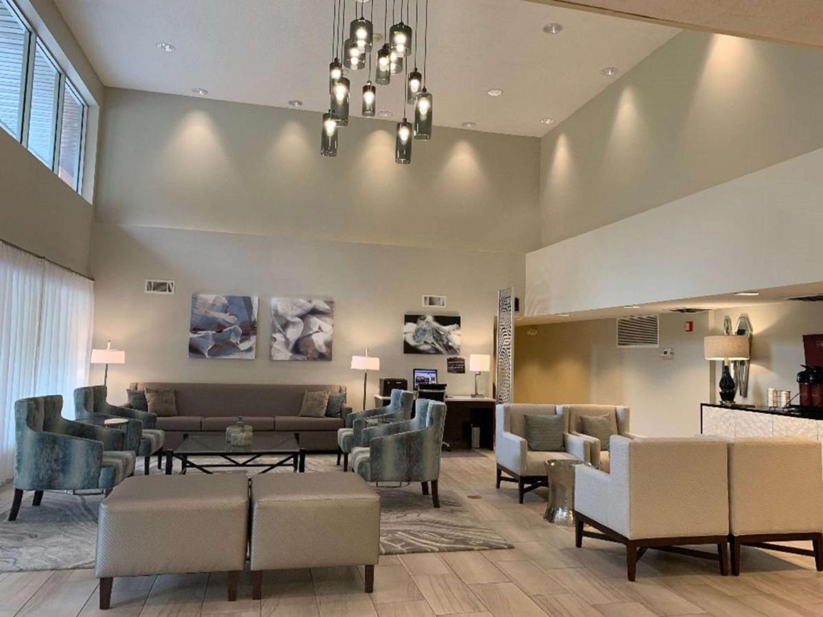 Отель  Best Western Tallahassee Downtown Inn And Suites