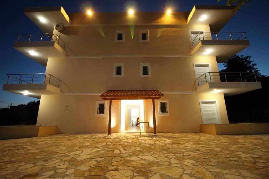 Отель  Hotel Afrodite