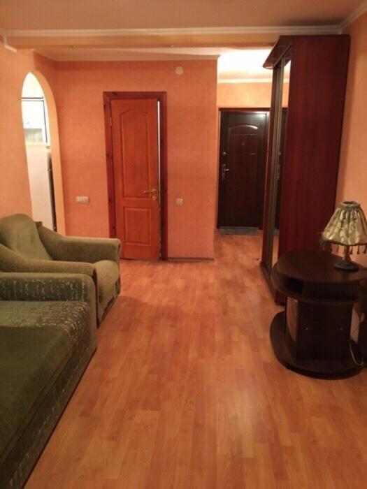 Апартаменты  2-комнатная квартира в центре Светловодска