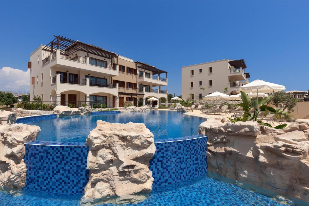 Отель  Aphrodite Hills Golf & Spa Resort Residences - Premium Serviced Apartments