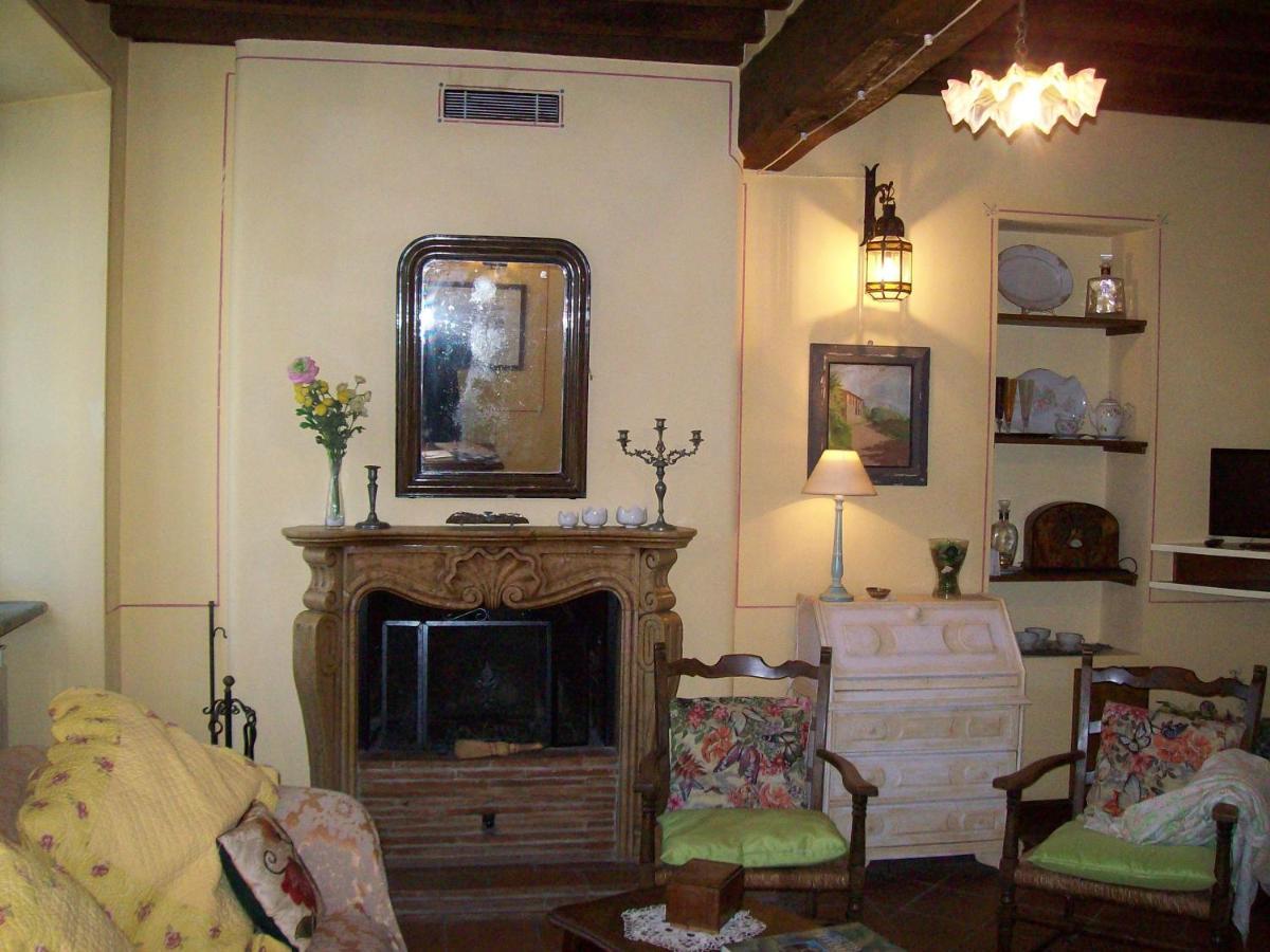 Tavoli Antichi Da Cucina Con Marmo.Farmhouse Antico Borgo Vallecchia Atnaujintos 2020 M Kainos