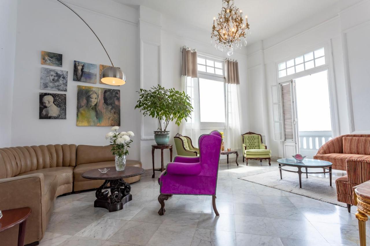 Фото  Отель типа «постель и завтрак»  Suites Malecon
