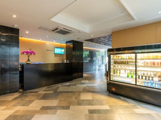 Отель  Lifu Yaju Hotel (Guangzhou Jiangtai Road Metro Station)