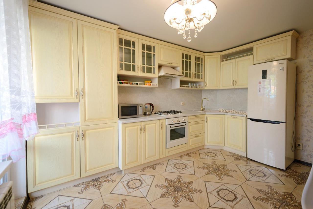Фото  Апартаменты/квартира  Two Bedroom Apartment White- Светлая 2-комнатная квартира в мкр Радужный, 5 спальных мест