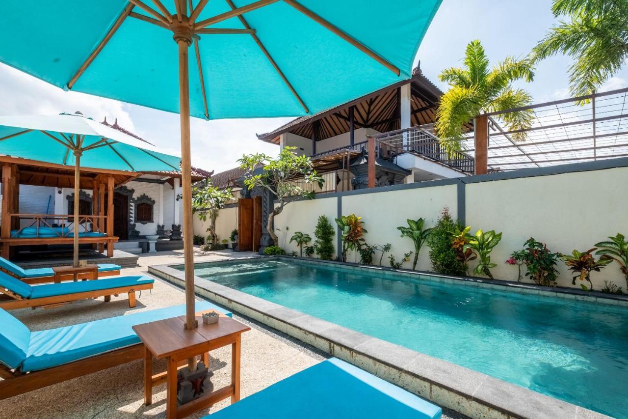 Отель  OYO 915 Villa Sari