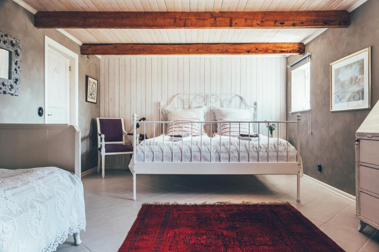 Bo p Hstgrd - Guesthouses for Rent in Glommen - Airbnb