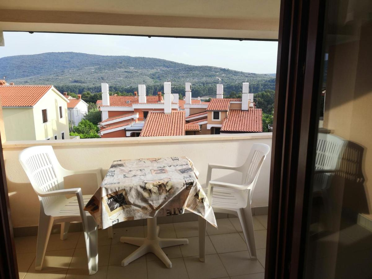 Spostare La Cucina Sul Balcone laura and nevio apartments and, cres, croatia - booking