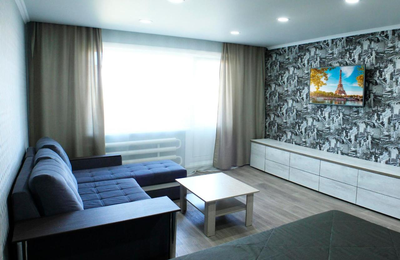 Апартаменты/квартира  Апартаменты Добрые Сутки на Мухачева 248