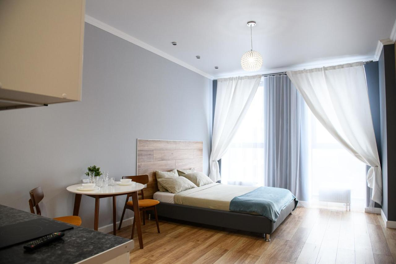 Фото  Апартаменты/квартира  VipHouse ул.Верхнеторговая площадь,4 Студия с джакузи