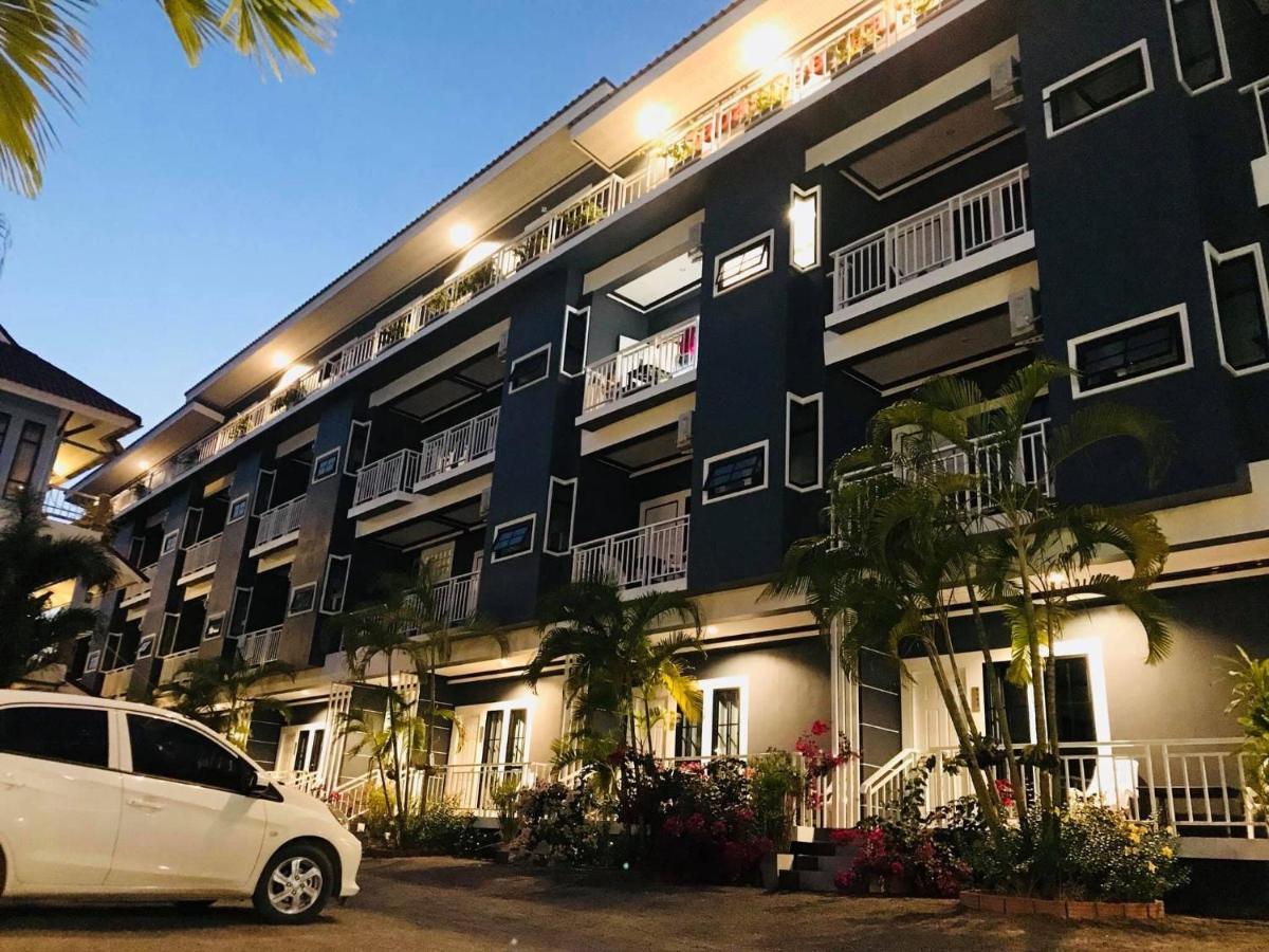 Отель  Sabai Dee Mansion & Hotel
