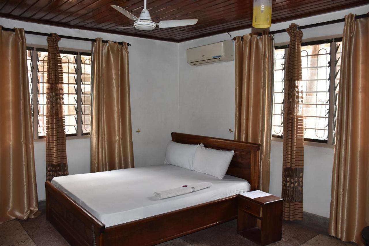 Отель типа «постель и завтрак»  Kituri Royal Annex