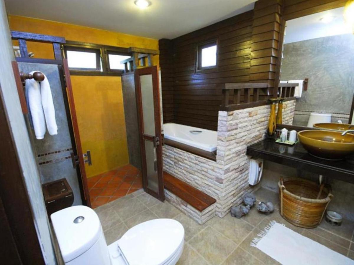 Курортный отель  Phunacome Resort