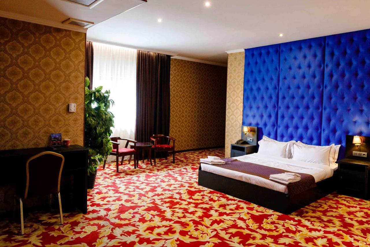 Отель  Отель  Grand Opera Hotel